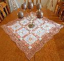 D4A-NEW!!! Pearls&Feather Table Topper